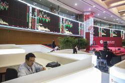 上海証券取引所。中国経済をけん引するハイテク企業が登場するか(Bloomberg)