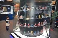 ウルトラマンの特別展会場に置かれたフィギュア=上海市内で2019年3月1日、工藤哲撮影
