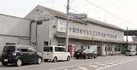 18日から解体工事が始まる十和田観光電鉄の旧三沢駅舎=三沢市で2019年3月4日、塚本弘毅撮影