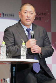 薬物依存症に関するトークセッションに登場した清原和博氏=東京都中央区で2019年3月6日午後7時6分、和田大典撮影