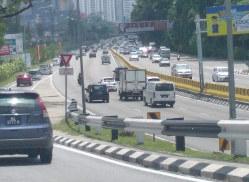 マレーシアの高速道路(筆者撮影)