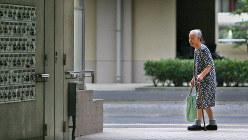 高齢化が進む東京都内の団地