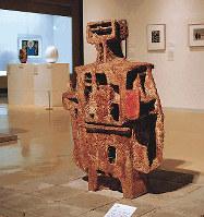 鳥取県立博物館で10日まで開催されている「Our Collections!」展に展示中の辻晉堂「拾得」(1958年、同館蔵)