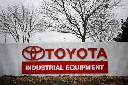 日本企業の対外投資加速は円売りの要因に(トヨタの米国工場)(Bloomberg)