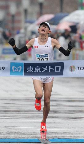 日本勢トップの5位でフィニッシュする中央大の堀尾謙介選手