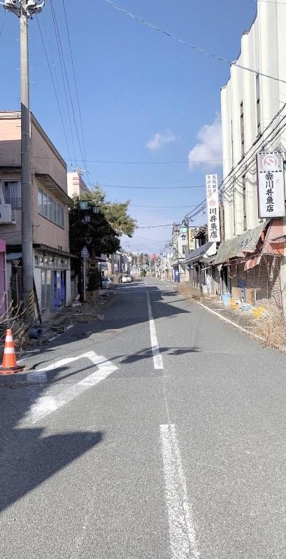 人影がない大熊町のかつての繁華街=今年2月(鎌田さん提供)