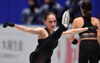 世界選手権開幕を控え練習するアリーナ・ザギトワ=さいたまスーパーアリーナで2019年3月18日、宮間俊樹撮影
