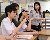 Migrino Marrione, left, attends school in the Aichi Prefecture city of Toyohashi, on May 15, 2018. (Mainichi/Haruna Okuyama)