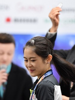 女子シングルSPの滑走順抽選会で37番を引き当た宮原知子=さいたまスーパーアリーナで2019年3月19日、宮間俊樹撮影