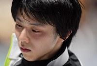 世界選手権開幕を控え汗を流しながら練習する羽生結弦=さいたまスーパーアリーナで2019年3月19日、宮間俊樹撮影