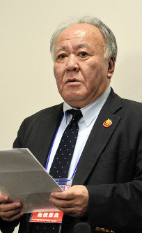 Japan High School Baseball Federation executive director Masahiko Takenaka offers a comment in response to Niigata Prefecture's high school baseball federation's decision to defer implementing a pitch limit, at Hanshin Koshien Stadium in the Hyogo Prefecture city of Nishinomiya, on March 18, 2019. (Mainichi/Aya Iguchi)