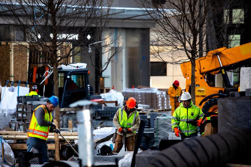 着々と建設工事が進むハドソンヤーズ(Bloomberg)