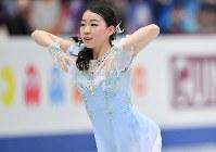 女子シングルSPで演技する紀平梨花=さいたまスーパーアリーナで2019年3月20日、宮間俊樹撮影
