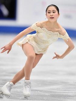 女子SPで演技する宮原知子=さいたまスーパーアリーナで2019年3月20日、宮間俊樹撮影