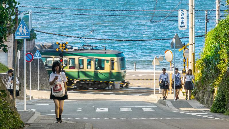 鎌倉と藤沢を結ぶ江ノ電