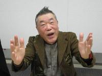 インタビューに答える桂雀々さん=東京都港区のBSフジで、油井雅和撮影