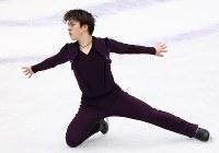 男子SPで演技する宇野昌磨=さいたまスーパーアリーナで2019年3月21日、佐々木順一撮影