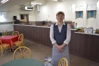 地下1階に新設された喫茶店主の杉浦伸之さん=名古屋市昭和区の市公会堂で2019年3月22日9時50分、山田泰生撮影