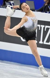 女子フリーで演技する坂本花織=さいたまスーパーアリーナで2019年3月22日、宮間俊樹撮影
