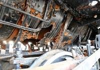 鉄部分の腐食が進み、ボイラーがみえる状態になったSL=宮城県大崎市西古川で2019年2月27日午後4時16分、山田研撮影