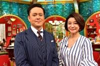 TBS系「有田哲平と高嶋ちさ子の人生イロイロ超会議」に出演する有田哲平(左)と高嶋ちさ子=TBS提供