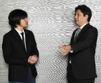 対談する青山ロジスティクス総合研究所の刈屋大輔代表(右)とジャーナリストの森健さん=東京都千代田区で