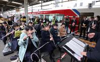 三陸鉄道リアス線の全線開通を祝って開かれた記念式典=岩手県釜石市で2019年3月23日午前10時53分、喜屋武真之介撮影
