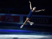 エキシビションで演技するエリザベート・トゥルシンバエワ=さいたまスーパーアリーナで2019年3月24日、宮間俊樹撮影