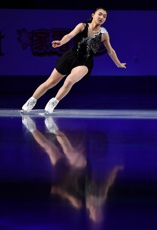 エキシビションで演技する坂本花織=さいたまスーパーアリーナで2019年3月24日、宮間俊樹撮影