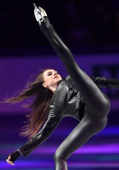 エキシビションで演技するアリーナ・ザギトワ=さいたまスーパーアリーナで2019年3月24日、宮間俊樹撮影