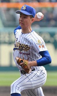 【松山聖陵-大分】松山聖陵の2番手・高松=阪神甲子園球場で2019年3月27日、徳野仁子撮影