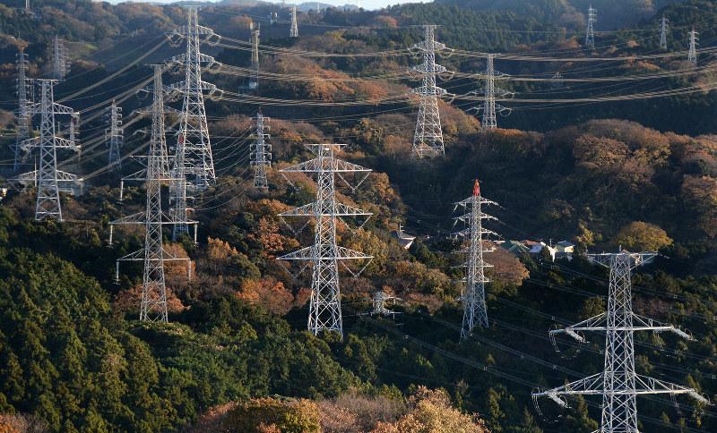 送電線の空き容量が少なく、新規参入を阻害している・・・・・・