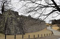 修復が完了した小峰城跡本丸南面の石垣=福島県白河市で2019年3月22日午前、笹子靖撮影