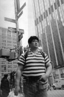 米国体験旅行に出発した北尾光司さん=ニューヨーク・マンハッタンで、1988年5月12日撮影
