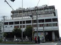 3月末で労働施設が閉鎖する「あいりん総合センター」=大阪市西成区で2019年3月28日午後1時、岡村崇撮影