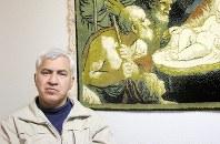 昨年10月まで東日本入国管理センターに収容され、仮放免中のガセミ・セイフォラさん。「また仮放免を取り消されるのではないかといつも不安です」=神奈川県の自宅で