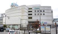 破産問題に揺れる七尾駅前の複合商業施設「パトリア」=石川県七尾市御祓町で、石川将来撮影