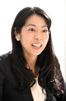 「幸せなキャリア女性が増えることが願い」と話す木下明子編集長=東京都千代田区で、木村滋撮影