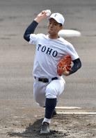【習志野-東邦】東邦の先発・石川=阪神甲子園球場で2019年4月3日、川平愛撮影