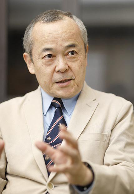 インタビューに答える国際医療福祉大の川上和久教授=東京都港区で2019年3月22日、尾籠章裕撮影