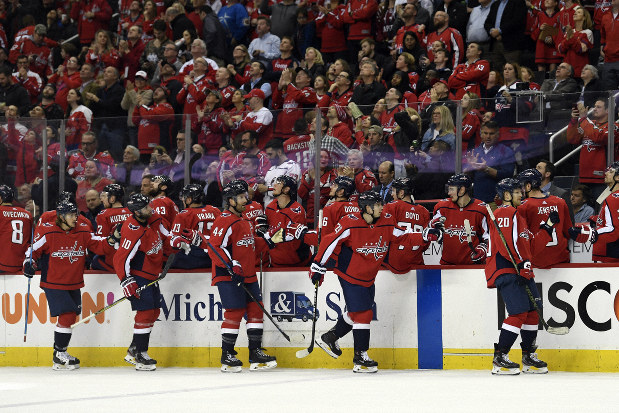 Nhl Capitals Beat Canadiens To Take Metropolitan Division The