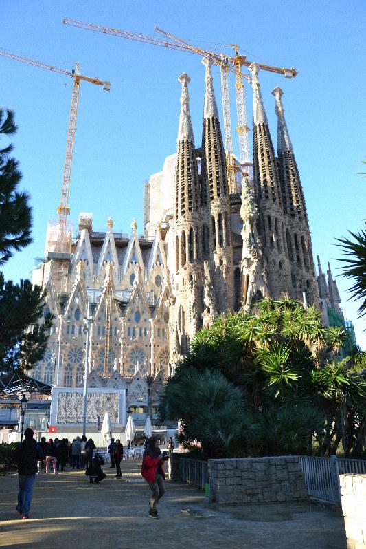 サグラダ ファミリア 違法建築 ついに解消へ バルセロナ市に建築許可申請 毎日新聞