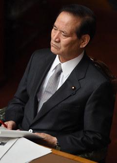 2015年2月、補助金支給が決まった企業からの献金問題で西川公也農相が辞任=小関勉撮影