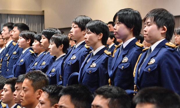 県警察学校:入校式 背筋伸ばし、警官の一歩 女性割合、近年で最高 ...