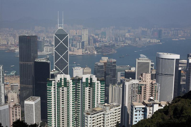 若者への舞台は、成熟した香港マカオから中国本土へ(Bloomberg)