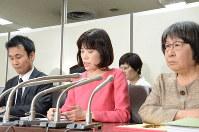 東京医科大の不正入試を巡り、元受験生33人が起こした集団提訴について説明する弁護団=東京・霞が関の司法記者クラブで2019年3月22日午後3時5分、蒔田備憲撮影