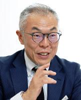 近畿大学の世耕石弘総務部長=東大阪市で、梅田麻衣子撮影