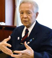16年続いた自身の市政の成果や課題を語る兵庫県姫路市の石見利勝市長=同市役所で、待鳥航志撮影