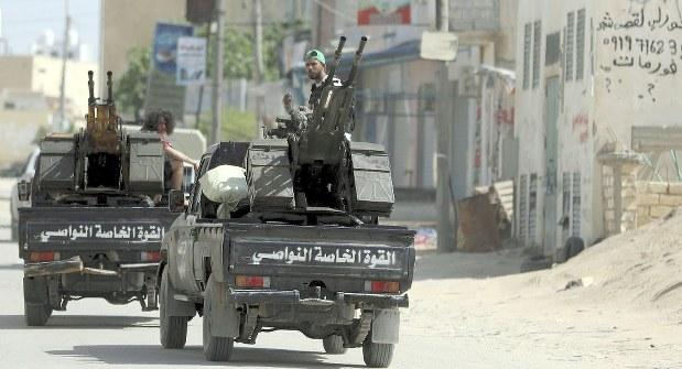 リビア・アルジェリア:過激派台...