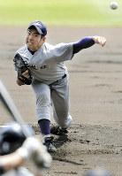 センバツで準優勝した花巻東時代の菊池雄星投手(マリナーズ)=阪神甲子園球場で2009年4月2日、兵藤公治撮影
